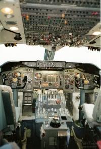 Swissair-Jumbo-Cockpit2