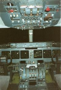 Swissair-MD11-Cockpit1