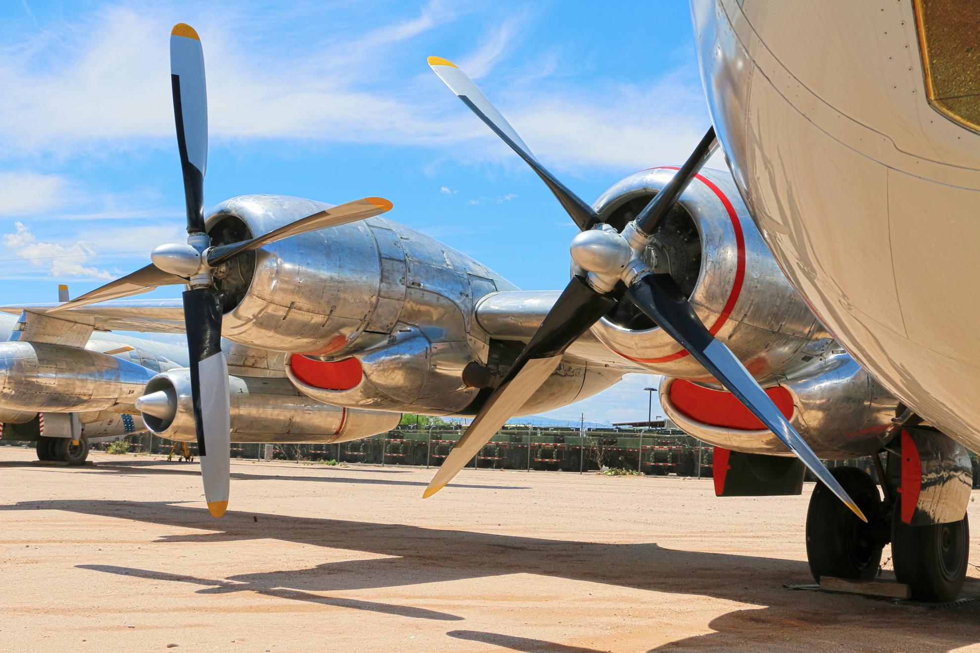 BOEING KB-50J SUPERFORTRESS-ENGINE